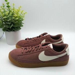 Nike Blazer Low SD Womens Sneakers